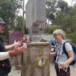 Intinan museum - Lillian balancerer æg på ækvator